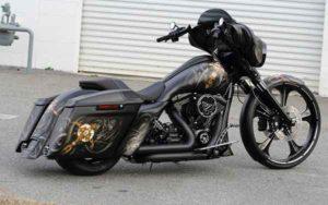 Установка акустики на Harley Davidson-0