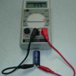 Измеритель емкости конденсаторов своими руками
