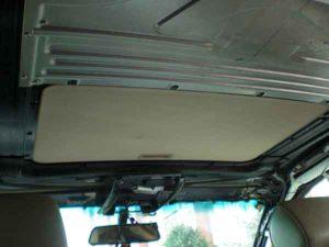 Установка потолочного монитора в машину-2