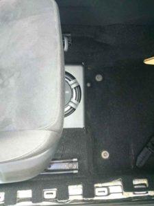 Сабвуфер под сиденье автомобиля-2