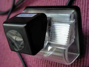 Установка камеры заднего вида на автомобиль-1