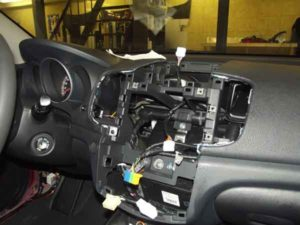 Установка аудиосистемы в авто-1