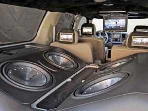 Мощный сабвуфер в машину-4