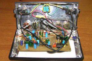Педаль эффектов для электрогитары-8